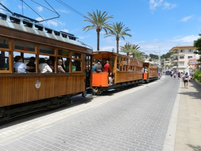 Petit train au port de Soller