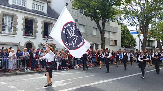 festival-interceltique-lorient-2017-grande-parade-nations-celtes-videos-photos-nanook-webzine-culture-bretagne-morbihan