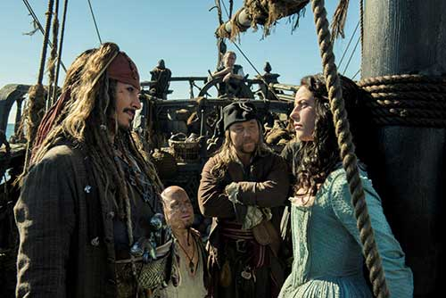 Pirates-des-Caraibes-La-vengeance-de-Salazar-Jack-Sparrow-Johnny-Depp-nanook-webzine-culture-cinema-film-chronique-3
